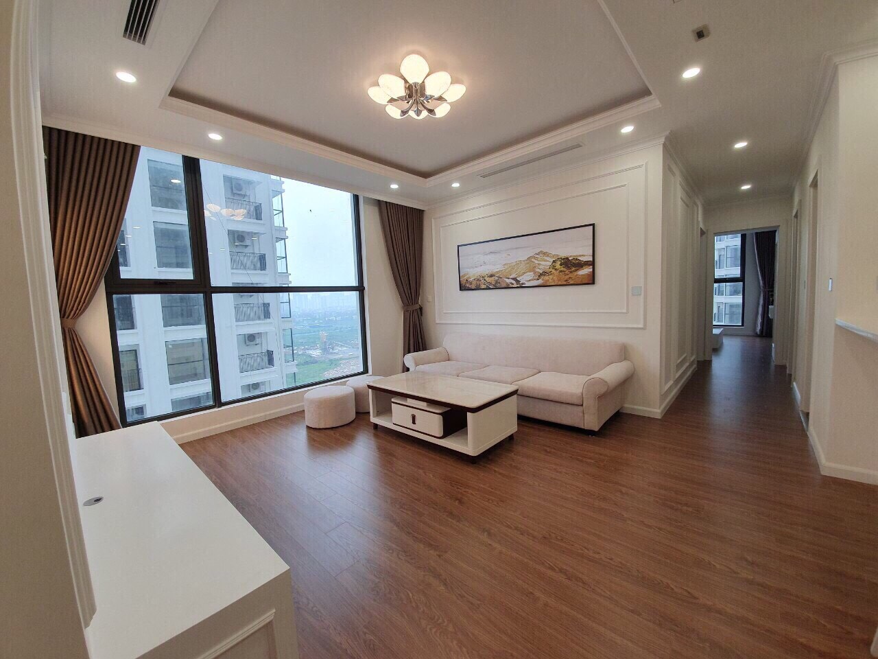 Apartment design inspired by European style