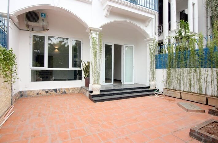 villa for rent in tay ho