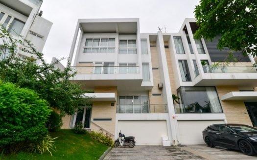 Impressive Golf villa for rent in Q Block Ciputra Hanoi 21