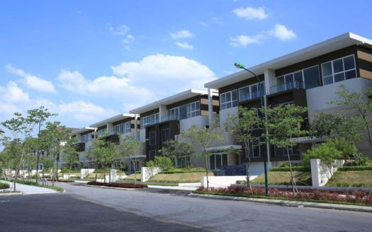 villlas for rent in q block ciputra