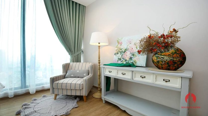 artistic apartment in vinhomes metropolis 9
