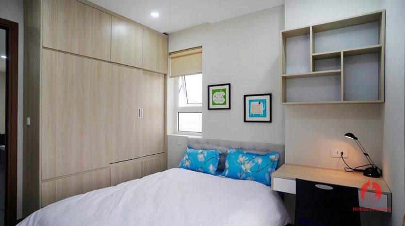 pretty 2 bedroom in the link ciputra 6