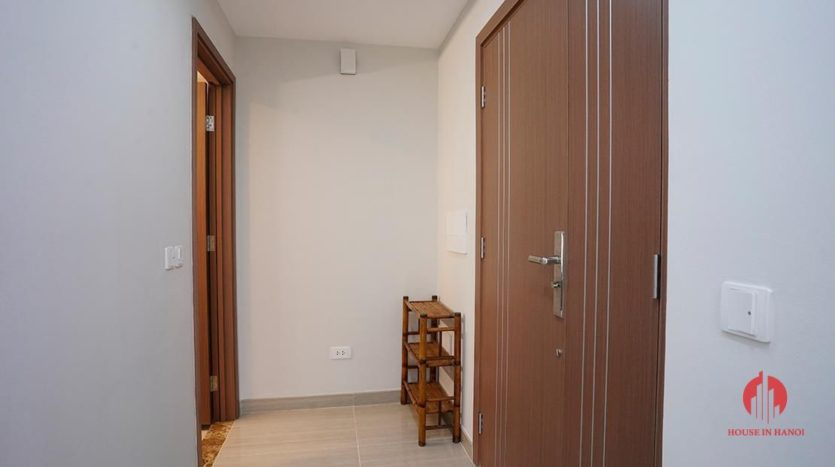 pretty 2 bedroom in the link ciputra 8