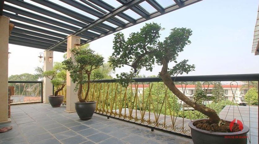 castle like villa for rent in tay ho 12