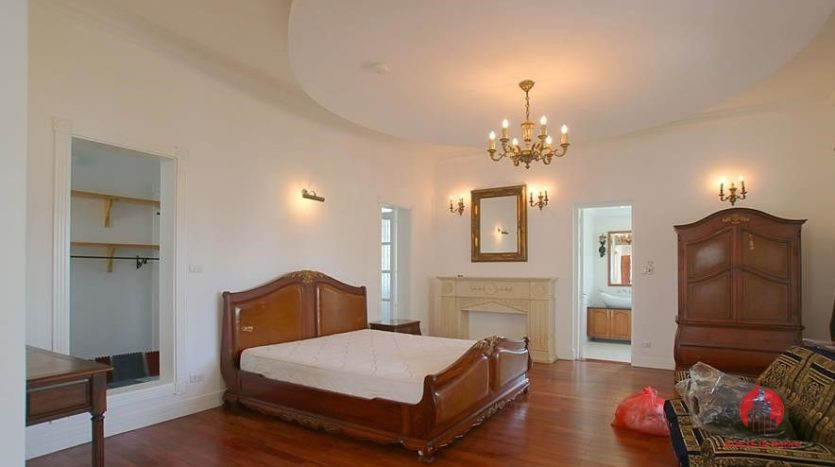 castle like villa for rent in tay ho 13