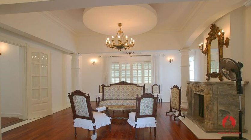 castle like villa for rent in tay ho 23