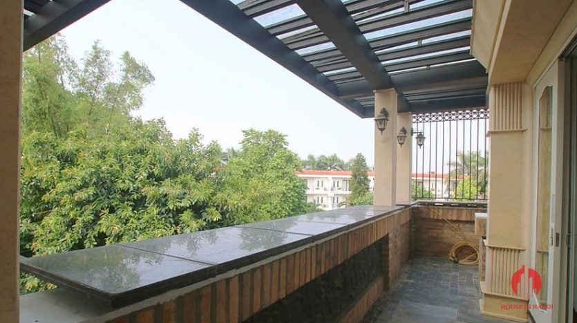 castle like villa for rent in tay ho 33