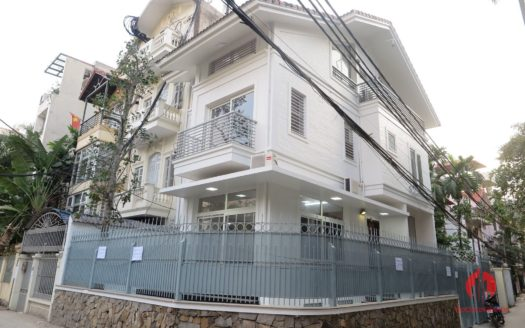 corner house on dang thai mai tay ho 17