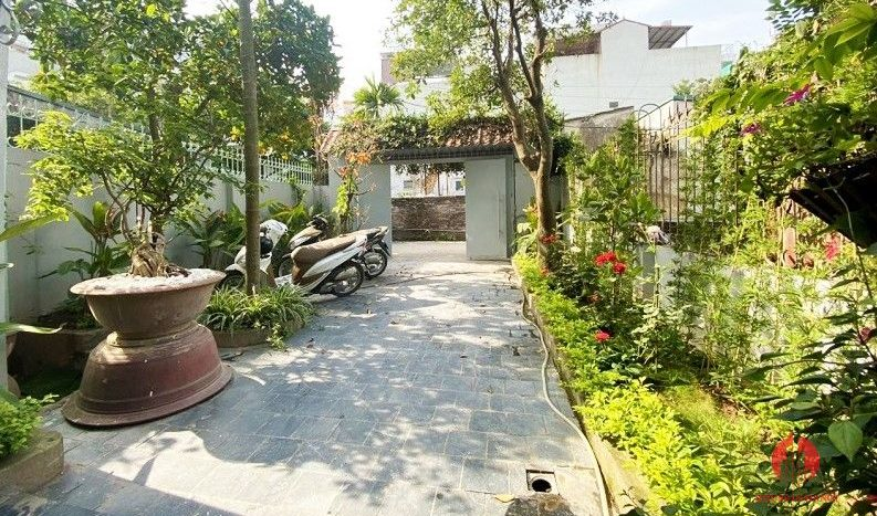 garden house for rent in tay ho 2