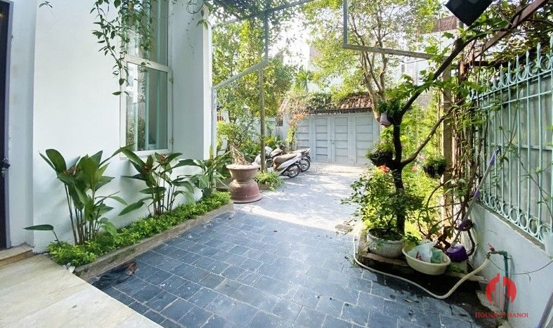 garden house for rent in tay ho 3