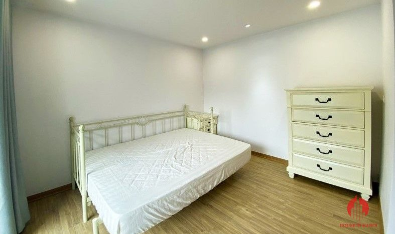 garden house for rent in tay ho 8
