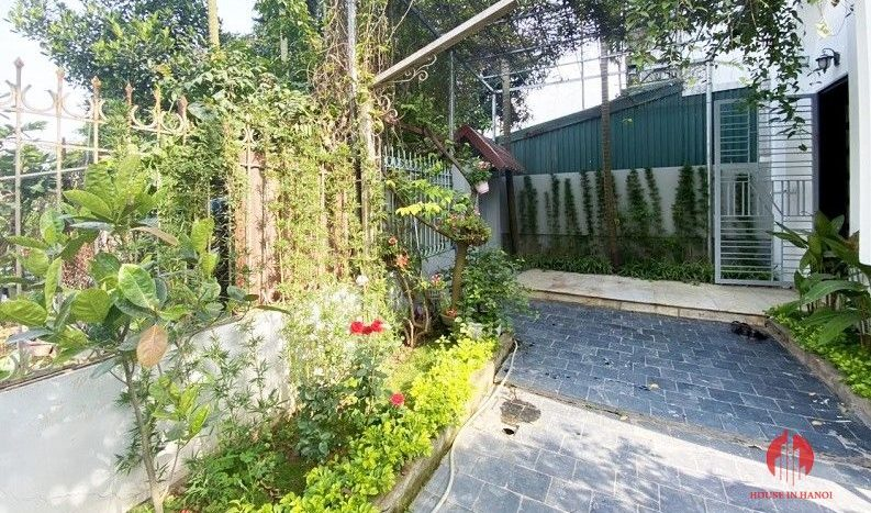 garden house for rent in tay ho 9