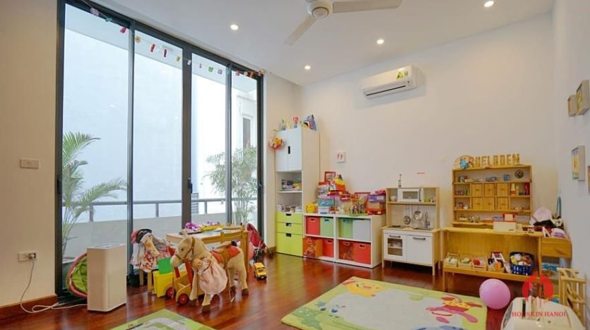 house for rent in swimming pool in tay ho 22
