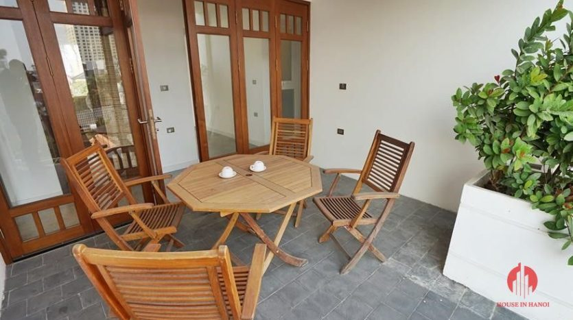 lake view 4 bedroom apartment in tay ho 26
