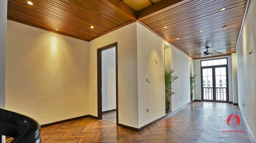 lakefront house rental with Japanese concept 7