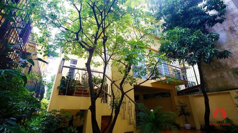 pool villa for rent in quang an 1