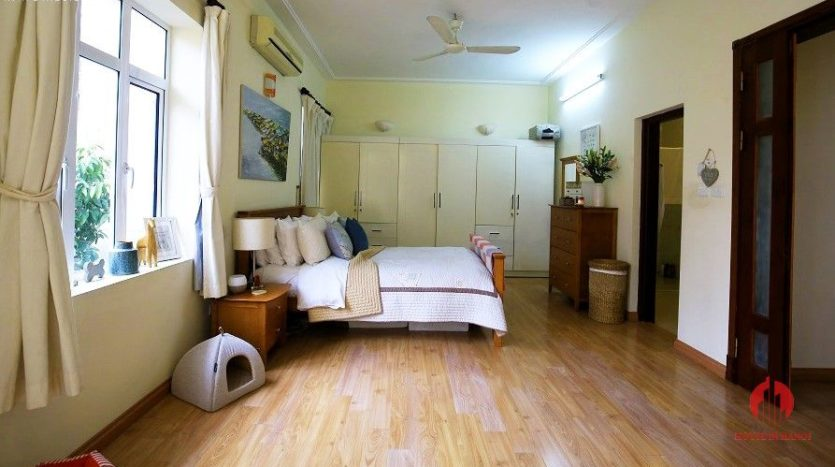 pool villa for rent in quang an 11