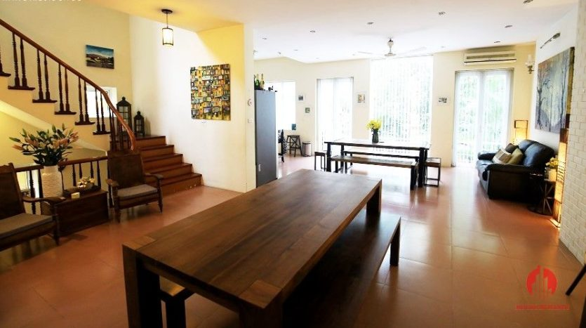 pool villa for rent in quang an 23