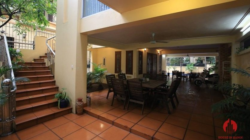pool villa for rent in quang an 3