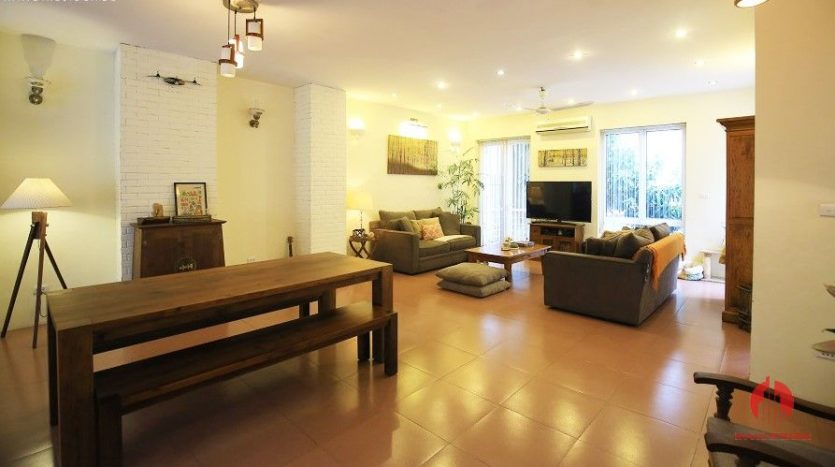 pool villa for rent in quang an 7
