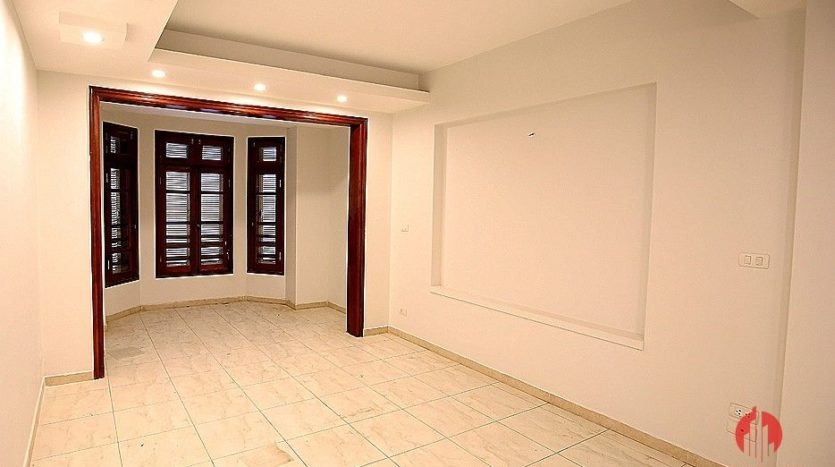 street front villa for rent on au co 8