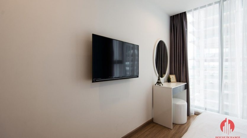 vinhomes metropolis 1 bed serviced apartment 11