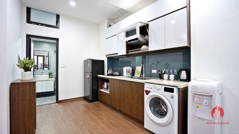 1BR apartment with SUPER LARGE BALCONY on Xuan Dieu street 11