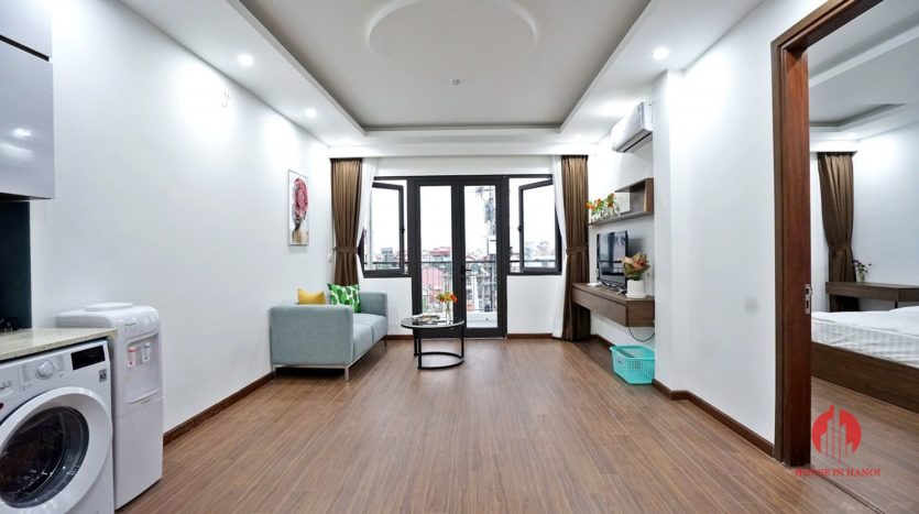 1BR apartment with SUPER LARGE BALCONY on Xuan Dieu street 21