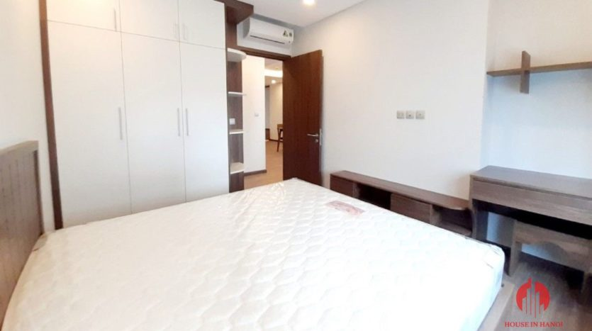 3BR apartment for rent in N01T4 Tower of Ngoai Giao Doan 8