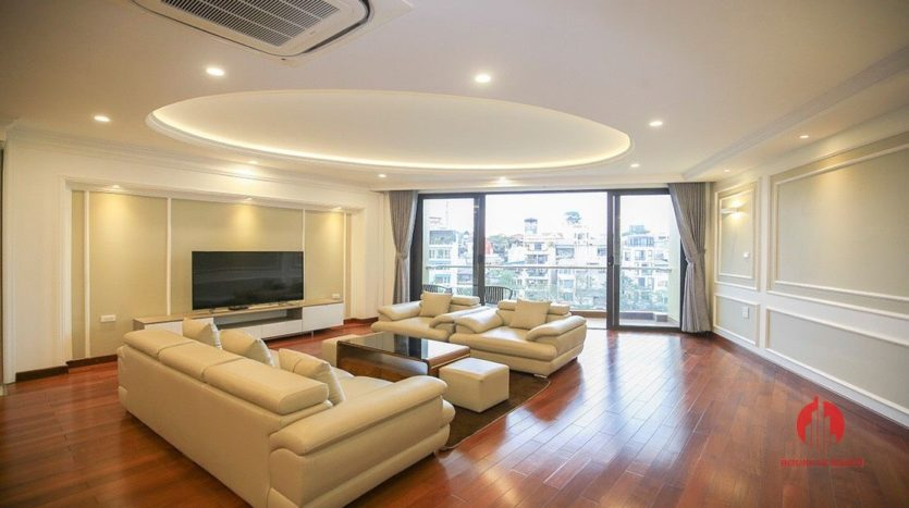 Ample lake view apartment for rent in Tay Ho Lang Yen Phu 8