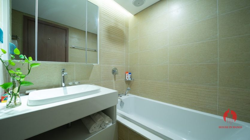 Appealing 2BR apartment for rent on Kim Ma street Ba Dinh dist 1