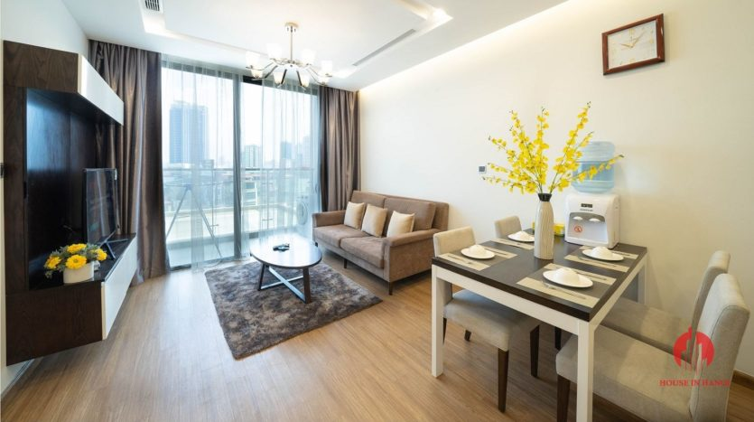 Appealing 2BR apartment for rent on Kim Ma street Ba Dinh dist 2