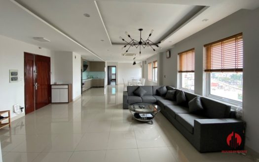 Bridge view 130m2 2BR apartment for rent on Lac Long Quan street 8
