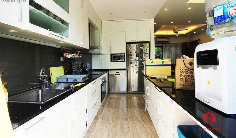Contemporary one floor house with garden for rent in Tay Ho district 10 result