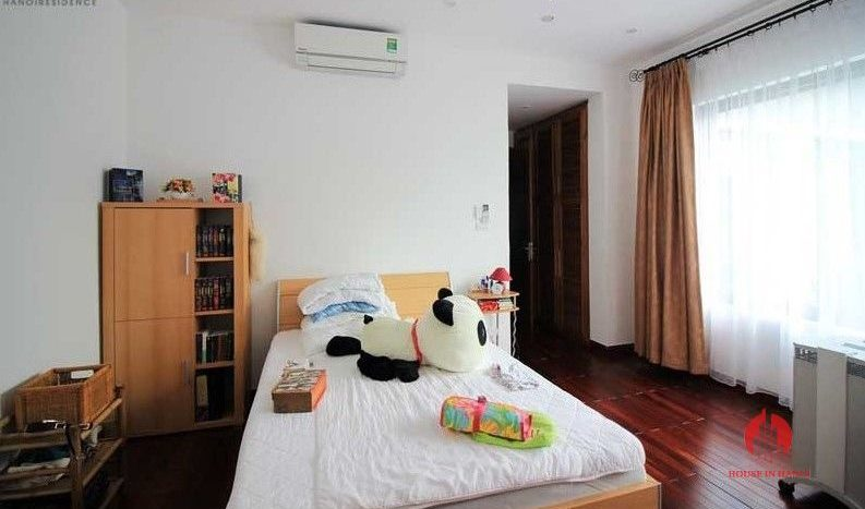 Contemporary one floor house with garden for rent in Tay Ho district 13 result