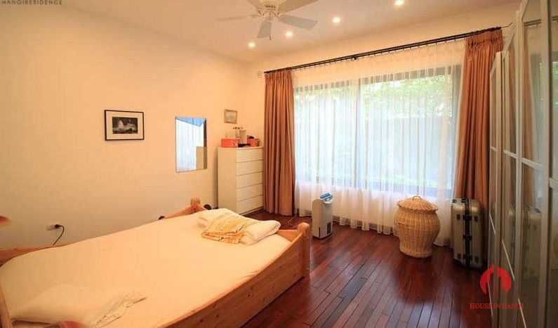 Contemporary one floor house with garden for rent in Tay Ho district 18 result