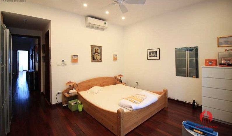 Contemporary one floor house with garden for rent in Tay Ho district 19 result
