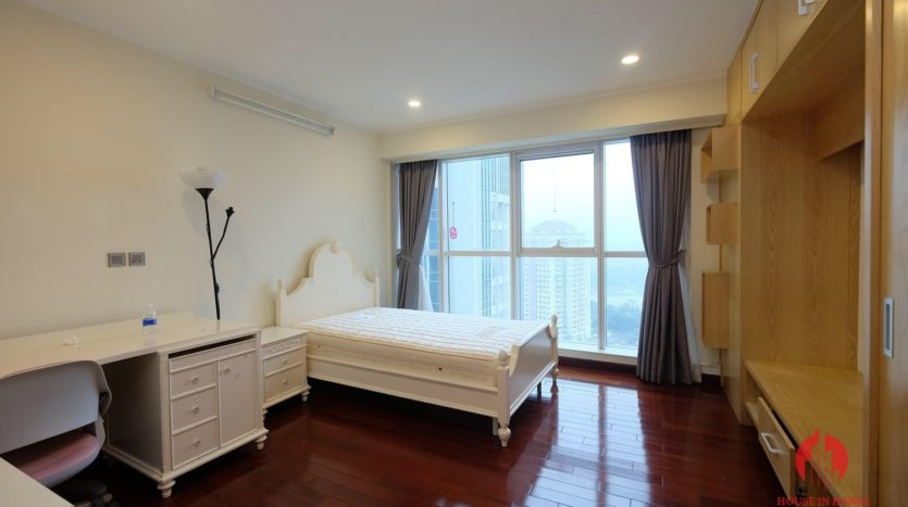 Excellent sky villa for rent with nice golf view in L2 Ciputra Hanoi 18