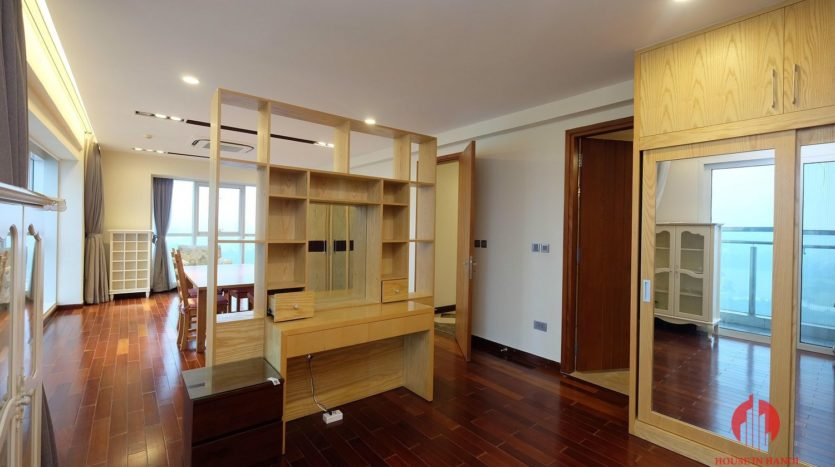 Excellent sky villa for rent with nice golf view in L2 Ciputra Hanoi 20