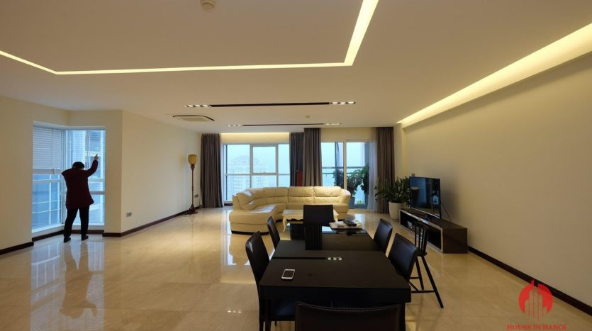 Excellent sky villa for rent with nice golf view in L2 Ciputra Hanoi 24