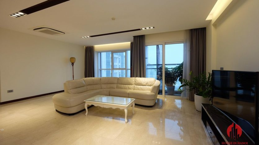 Excellent sky villa for rent with nice golf view in L2 Ciputra Hanoi 29