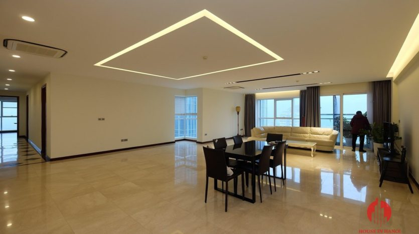 Excellent sky villa for rent with nice golf view in L2 Ciputra Hanoi 3