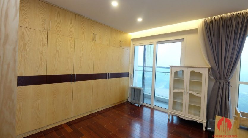Excellent sky villa for rent with nice golf view in L2 Ciputra Hanoi 5