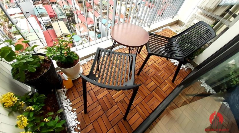 Eye catching 3 bedroom apartment for lease in Kosmo Tay Ho 1