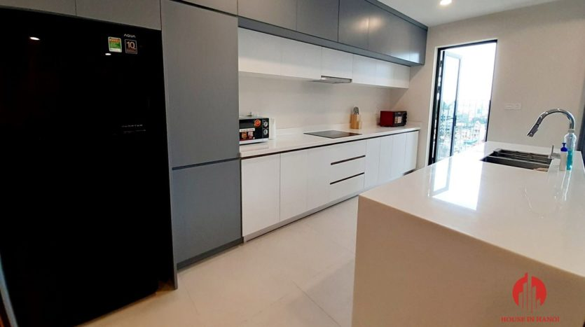 Eye catching 3 bedroom apartment for lease in Kosmo Tay Ho 11