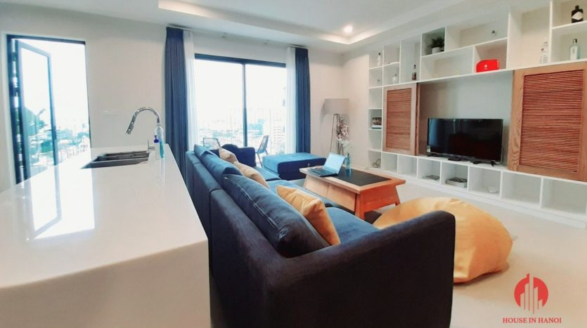 Eye catching 3 bedroom apartment for lease in Kosmo Tay Ho 2