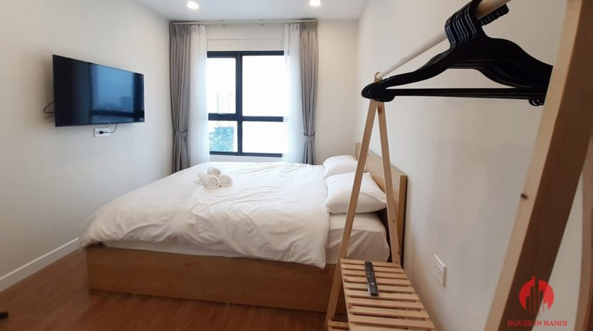 Eye catching 3 bedroom apartment for lease in Kosmo Tay Ho 5