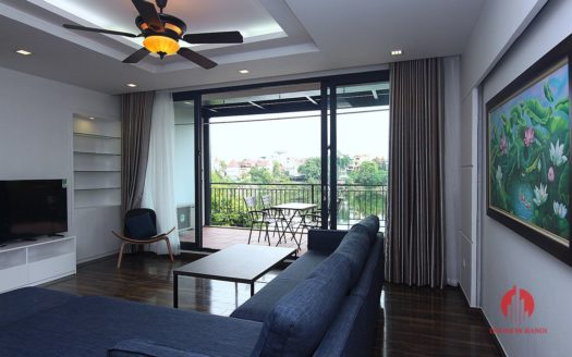 Lake view 4BR apartment for rent in Tay Ho district Au Co street 8