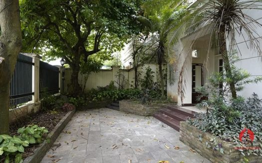 Large house for rent in Ciputra C Block with total area of 345m2 3