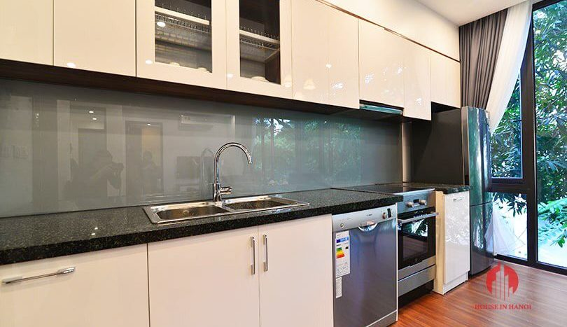 Modern bright 1BR serviced apartment for rent on Tu Hoa street 5